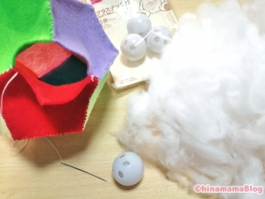 【ハンドメイド】塗ったフェルトに綿を入れる